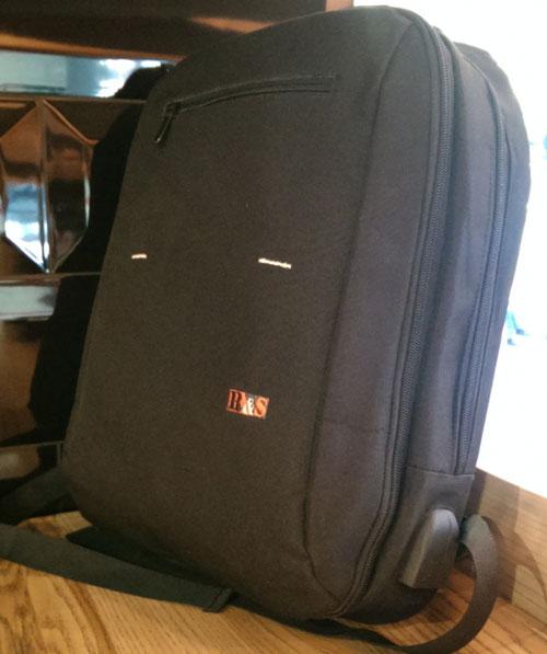 Рюкзак для ноутбука компактный тонкий стильный